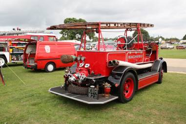 http://images.wikia.com/tractors/images/b/b9/Dennis_Ace_fire_engine_-_EBH_823_ar_Ardingly_11_-_IMG_4957.jpg